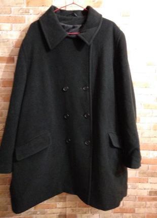 Шерстяное теплое темно-зеленое пальто 80% шерсти 24/58-60 размера