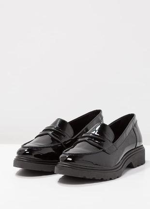 Лакированые туфли кожаные лоферы aldo