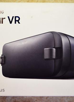 Samsung Gear VR (SM-R323NBKASEK) - Очки виртуальной реальности