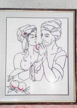"""Картина вышитая крестиком """"Влюбленные с яблоком"""""""