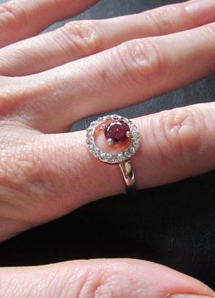 🏵️позолоченное кольцо с цирконом, 18р., смотрится ювелирно, но...
