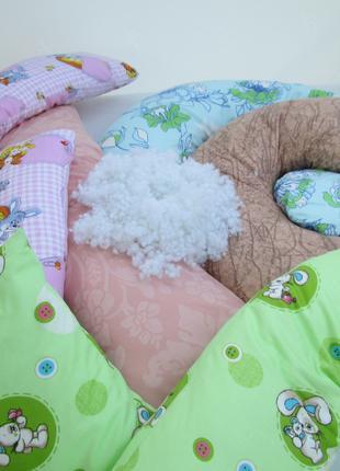 Подушки для беременных и стандартные.