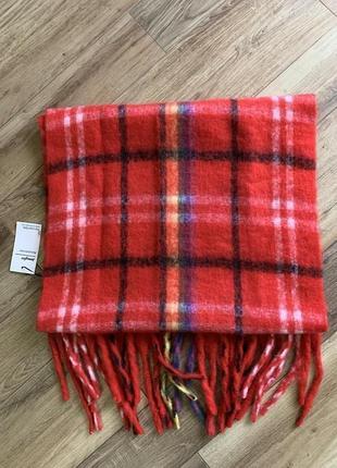 Красный мягкий шарф