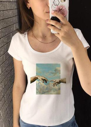 Женская футболка с принтом - руки, небо, футболка с рисунком