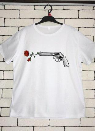 Мужская футболка с принтом - выстрел, розы, футболка с рисунком