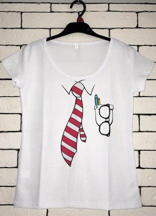Женская футболка с принтом - офисный костюм, футболка с рисунком