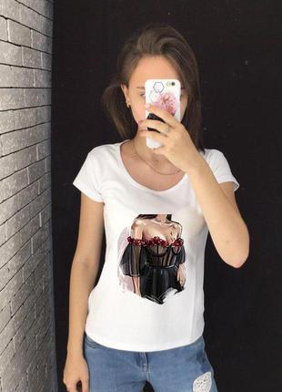 Женская футболка с принтом, футболка с рисунком - девушка в че...