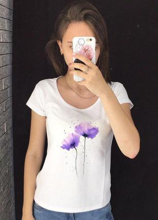 Женская футболка с принтом - фиолетовые цветы, футболка с рису...