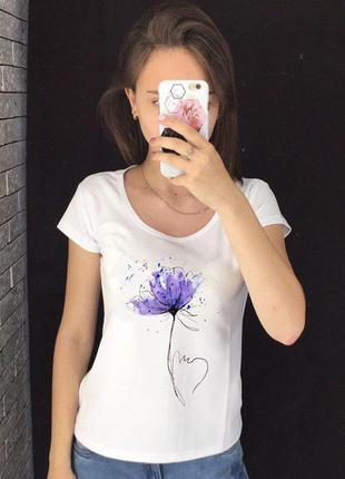 Женская футболка с принтом - фиолетовый цветок, футболка с рис...