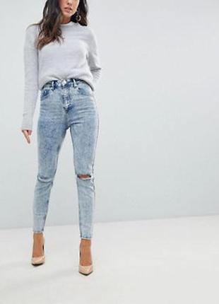 Синие джинсы скинни с завышенной талией, рваной отделкой и эфф...