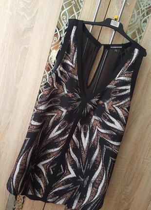 Стильная блуза с актуальном принтом