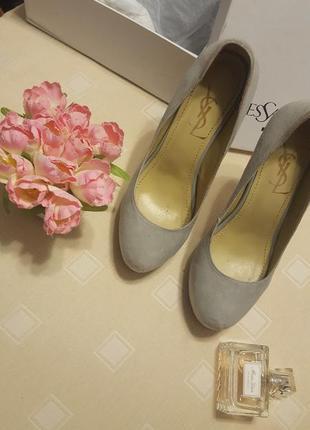 Оригинальные туфли yves saint laurent
