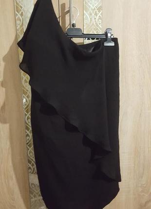 Изысканное шикарное платье-футляр на одно плечо с воланом