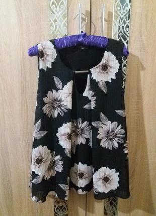 Блуза трапеция с декором в цветочный принт