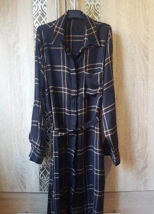 Актуальное теплое платье-рубашка в клетку