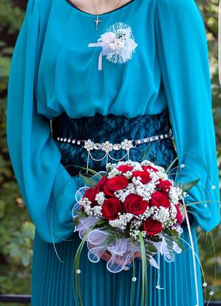 Шикарное и элегантное платье с кружевом