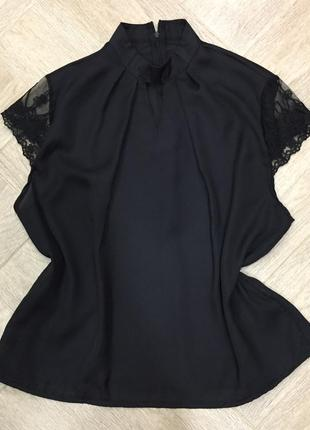 Чёрная блуза с коротким рукавом