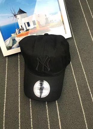 Стильные бейсболки кепки new york