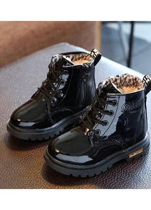 Лакированные ботинки с мехом dinimigi черные