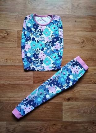 Яркая трикотажня пижама