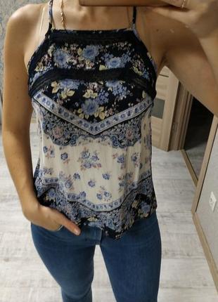 Стильная актуальная вискозная блуза топ в принт