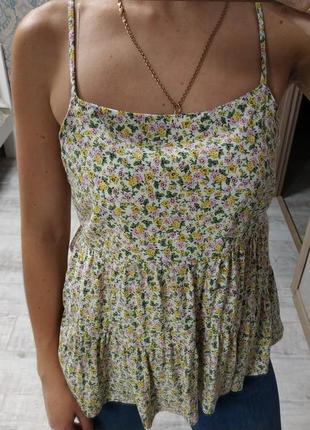 Новая красивая вискозная блуза в мелкий цветок