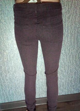 Комфортные скинни, джинсы, леопардовый принт.