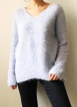 Пушистый свитер нежно-голубого цвета atmosphere голубой свитер...