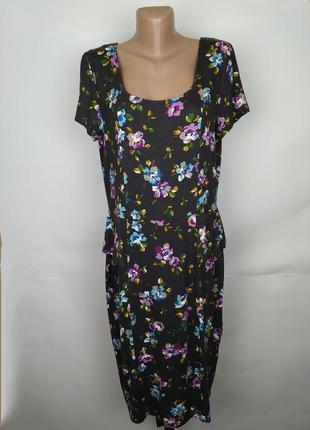Платье трикотажное цветочное с басками по бокам tu uk 16/44/xl