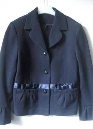 Школьный пиджак для девочки первоклашки темно-синего цвета