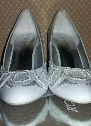 Белые туфли Koroleva