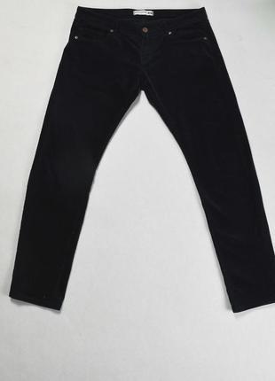 Темно-синие вельветовые брюки uniqlo