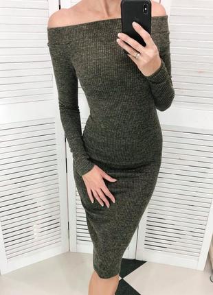 Силуэтное платье резинка