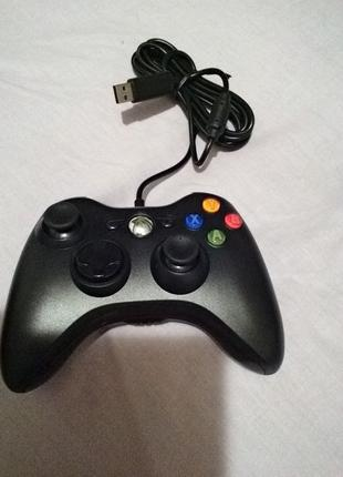 Продам геймпад Xbox 360 черный проводной оригинал