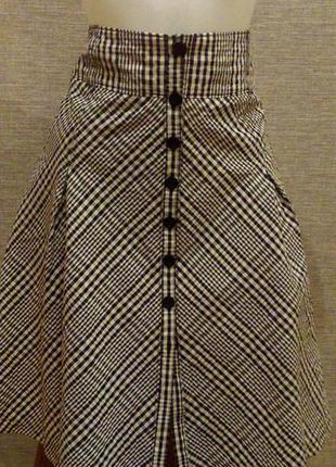 Красивая модная юбка с высокой талией