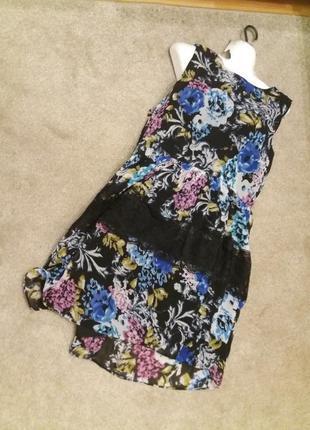 Яркое платье в цветочный принт оверсайз