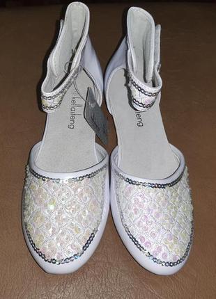 Нарядные туфли 33,34 р. kellaifeng на девочку