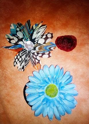 Резинки и нашивки цветок синий красная роза, и с камнем