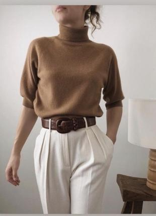Тёплый актуальный свитер из 100% шерсти