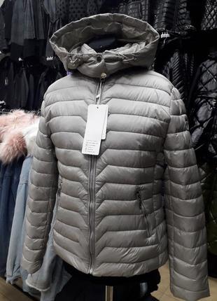 Короткі класичні куртки