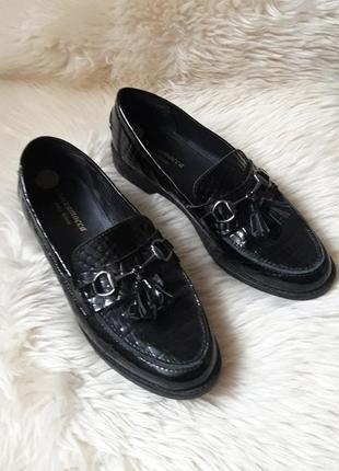 Кожаные лоферы туфли john wite 39 размер