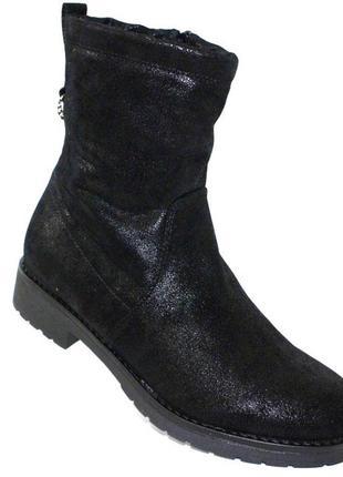 Женские зимние черные короткие сапоги полусапоги низкий каблук