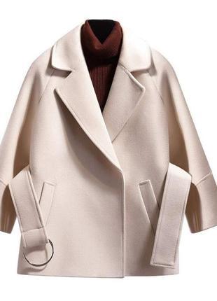 Новая нарядная  элегантная куртка пиджак