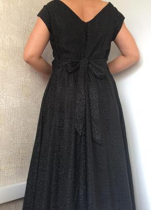 Красивое чёрное вечернее макси-платье из вискозы в леопардовый...