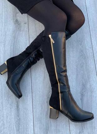 Стильные женские зимние черные комбинированные сапоги на устой...
