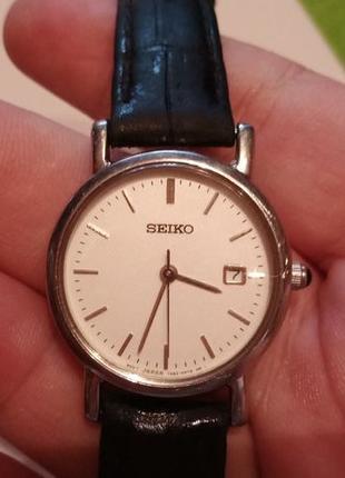 Женские часы Seiko кварцевые на ходу с сапфировым стеклом...