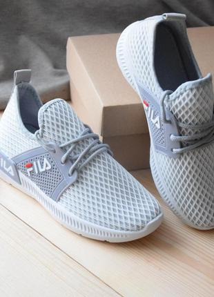 Легкие сетчатые кроссовки