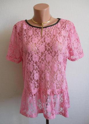 Кружевная гипюровая блуза с баской tu