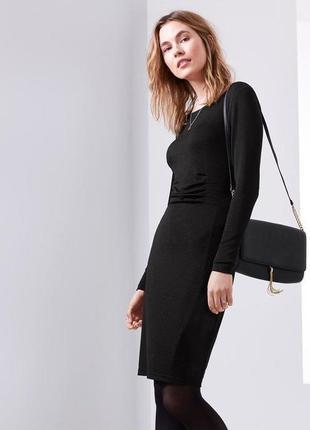 Красивое платье  от tchibo р.  44 - 46 евро. наш 50 - 52