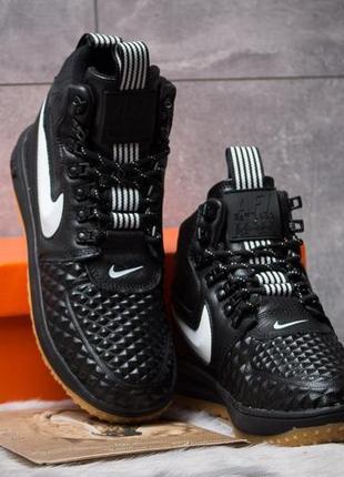 Топовые качественные стильные мужские кроссовки